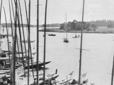 Fullt vid Kedjeön i mitten av 40-talet